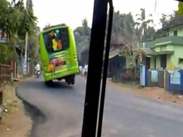 Δεν θα θέλατε να είστε επιβάτης σε αυτό το λεωφορείο