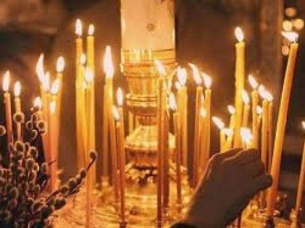Αυλωνάρι: Η εικόνα έξω από την εκκλησία που «παγώνει» (pics-vid)