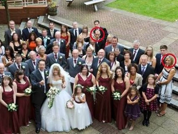 Φωτογραφία-ΣΟΚ: Είχαν καλέσει στο γάμο τους έναν δολοφόνο