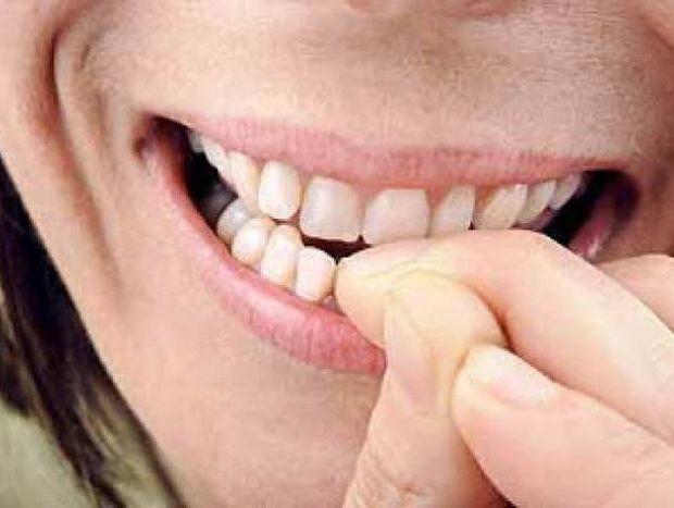 Tρως τα νύχια σου; Δες τι σημαίνει για τον χαρακτήρα σου!