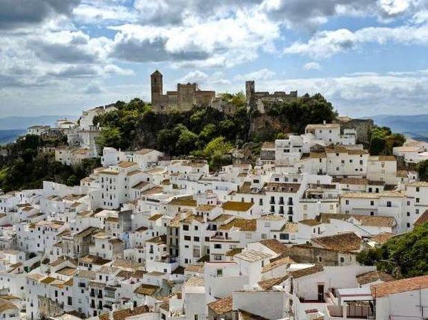 Το ισπανικό χωριό που μηδένισε την ανεργία - Πώς τα κατάφεραν;