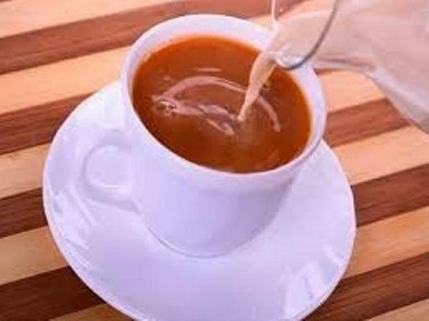Δείτε τι προκαλεί το γάλα στον καφέ…