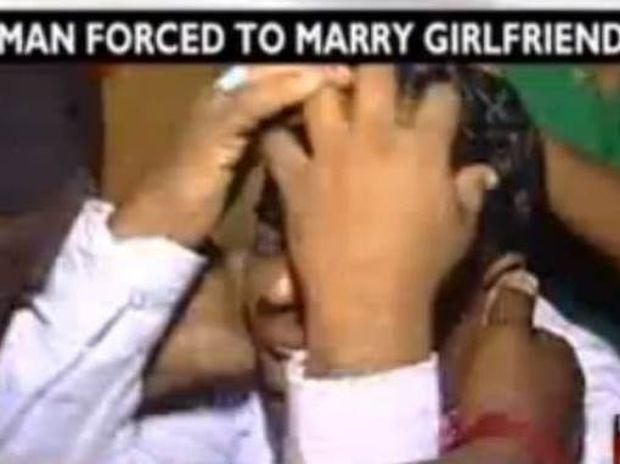 Βίντεο: Μόλις είδε τη νύφη πήγε να φύγει αλλά…