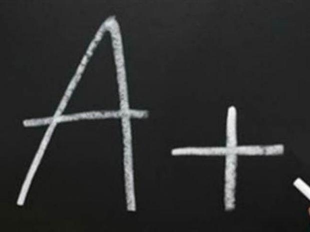 Απίστευτη απάντηση φοιτητή στην Χημεία - Πήρε το μοναδικό 10!