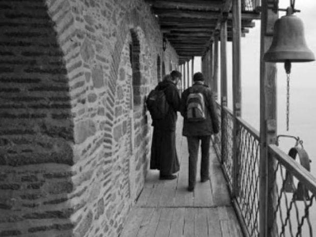 Συγκλονιστικός διάλογος άθεου επιστήμονα με ιερέα