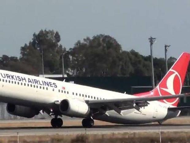 Δείτε την προσγείωση - σοκ αεροπλάνου στη Μάλαγα!