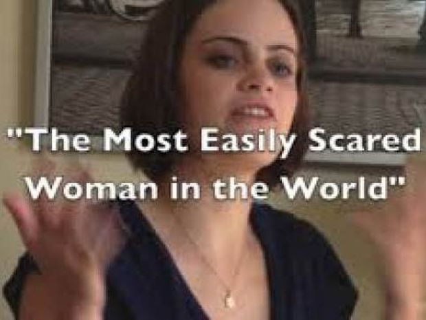 Βίντεο: Η πιο φοβιτσιάρα γυναίκα στον κόσμο