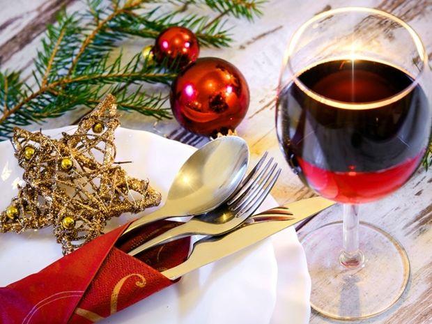 Ζώδια: Τι είδους οικοδεσπότης θα είστε τα Χριστούγεννα;