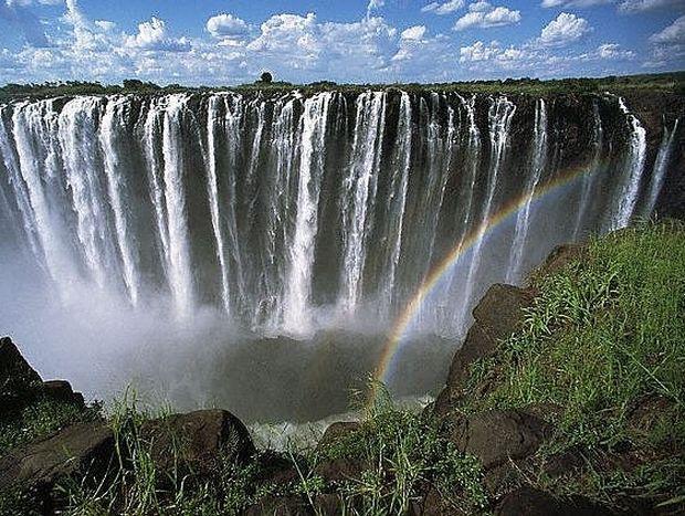 ΥΠΕΡΟΧΕΣ ΕΙΚΟΝΕΣ: Καταρράκτες Βικτώρια, οι μεγαλύτεροι στον κόσμο!