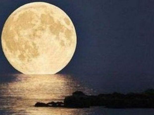 ΔΕΙΤΕ: Η πρώτη φωτογραφία της Σελήνης τραβήχτηκε το 1840!