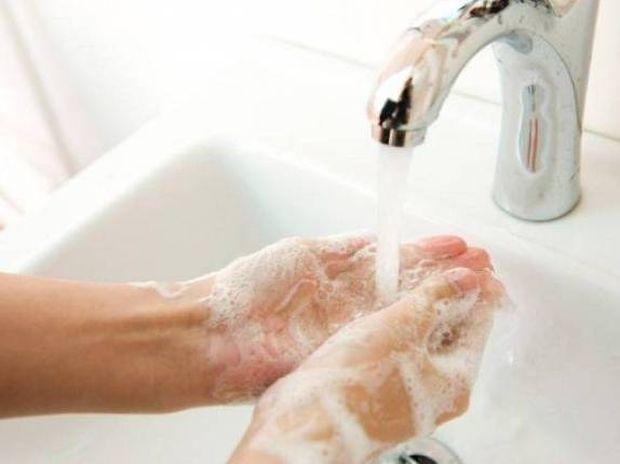 Πλένεις τα χέρια σου; Το 95% των ανθρώπων δεν το κάνει!
