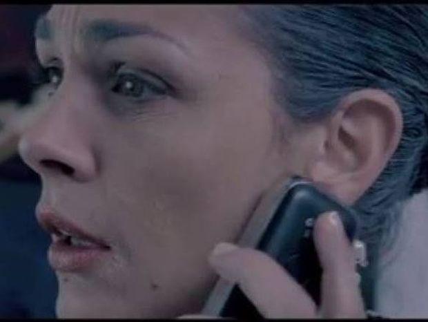 Ξεκαρδιστικό: Ελληνίδα μάνα δεν βρίσκει το γιο της στο τηλέφωνο (vid)
