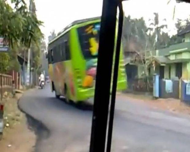 Δεν θα θέλατε να είστε επιβάτης σε αυτό το λεωφορείο!