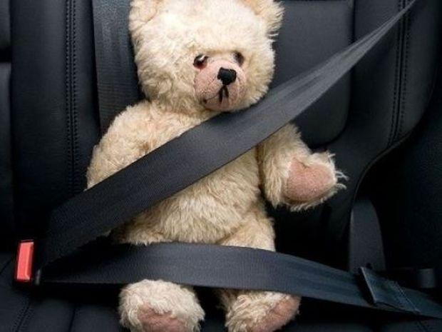 Θα αφήνατε το παιδί σας να το συνθλίψουν 3 τόνοι; Τότε γιατί το αφήνετε λυτό στο αυτοκίνητο;