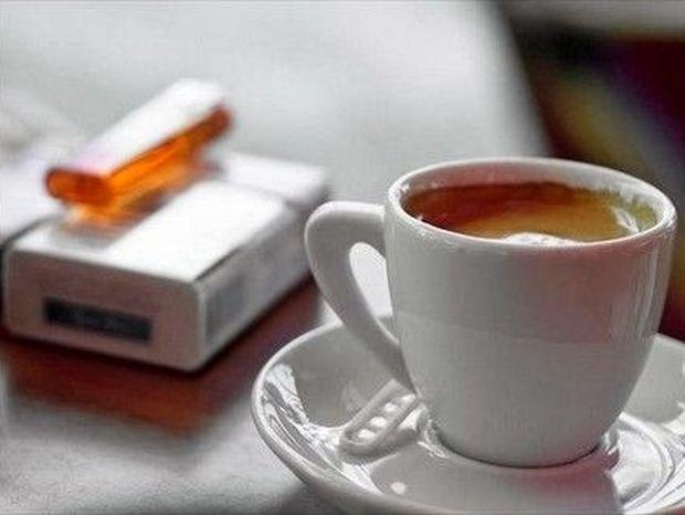Γνωρίζεις πόσο επικίνδυνος είναι ο συνδυασμός καφέ και τσιγάρου;