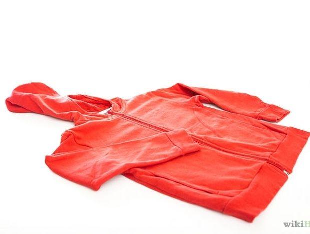 ΧΡΗΣΙΜΟ: Πως να μετατρέψετε το φούτερ σας σε όμορφη τσάντα για laptop
