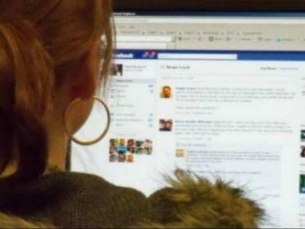 Χώρισες: Γιατί δεν πρέπει να κοιτάς το προφίλ του πρώην στο facebook;