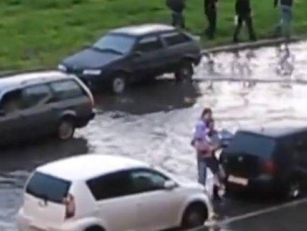 Πόσοι τρελοί κυκλοφορούν στη Ρωσία; (βίντεο)