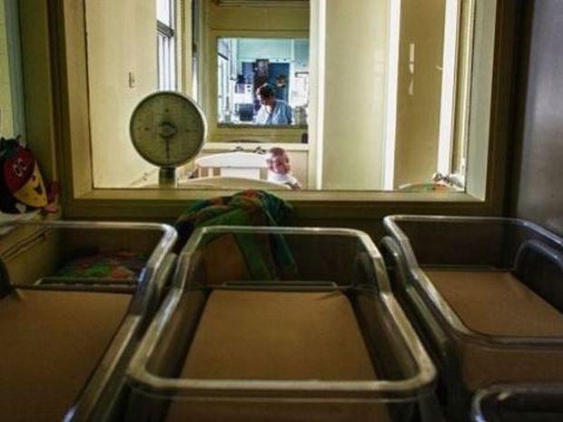 Παιδική εγκατάλειψη στην Ελλάδα της κρίσης. Συγκλονιστικές φωτογραφίες στους New York Times