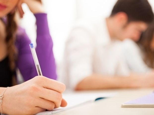 Πανελλήνιες εξετάσεις 2014: Οι τάσεις για τις 30/5