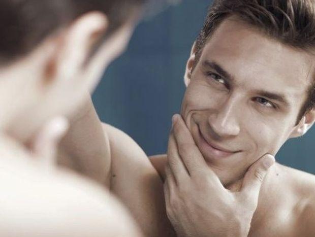 Καταστροφικές σχέσεις: 7 σημάδια ότι ο/η σύντροφός σου είναι νάρκισσος