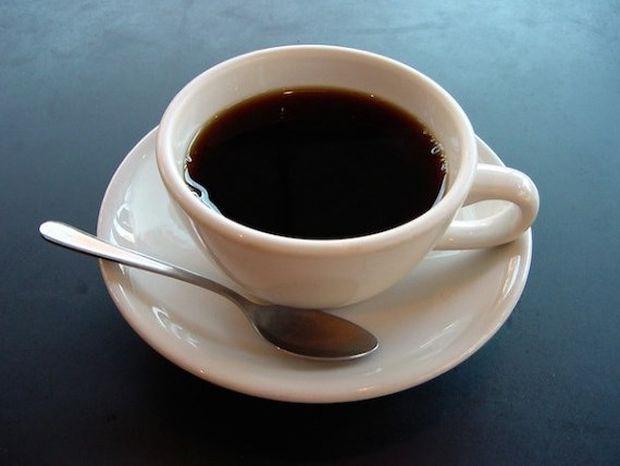 Ο καφές καθαρίζει τα δόντια από τα μικρόβια!