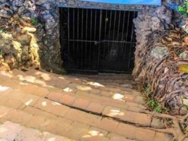 Δεν φαντάζεστε τι υπάρχει μέσα σε αυτήν τη σπηλιά! Δεν θα πιστεύετε στα μάτια σας!