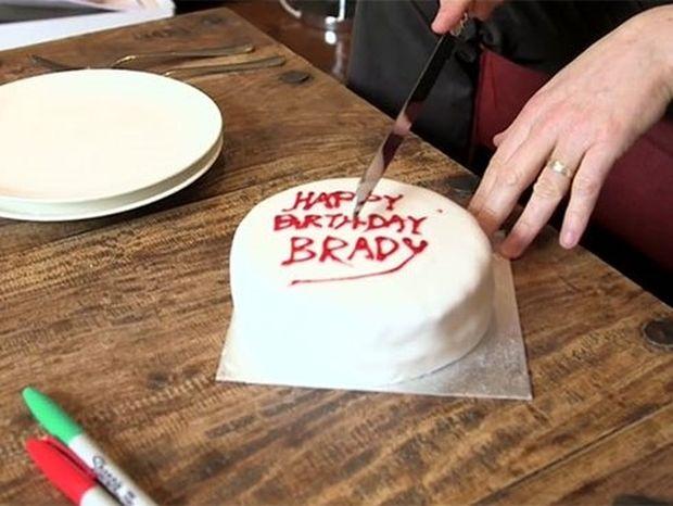 Νομίζετε ότι κόβετε σωστά μια τούρτα; Κι όμως ένας μαθηματικός λέει το αντίθετο!