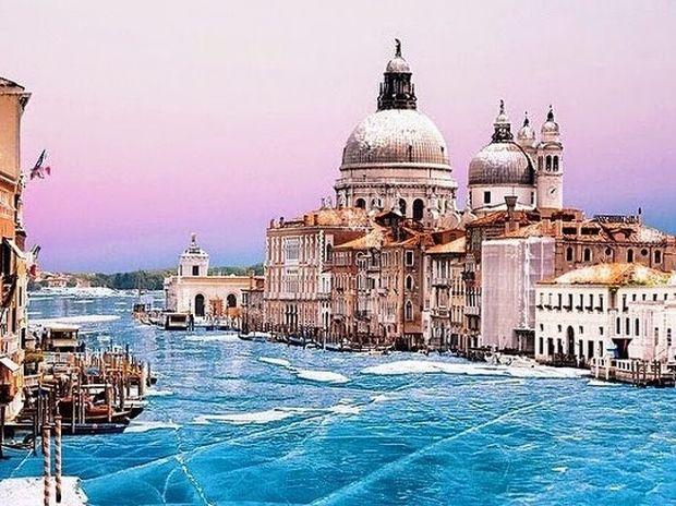 Μία διαφορετική εικόνα της Βενετίας… στον πάγο!