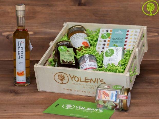Η νικήτρια του καλαθιού με τοπικά προϊόντα από την εταιρία Yoleni's