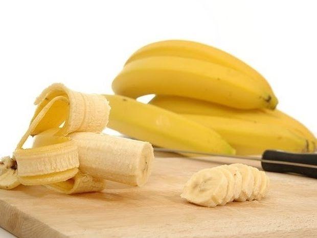 5 χρήσεις της φλούδας της μπανάνας που θα σας εκπλήξουν