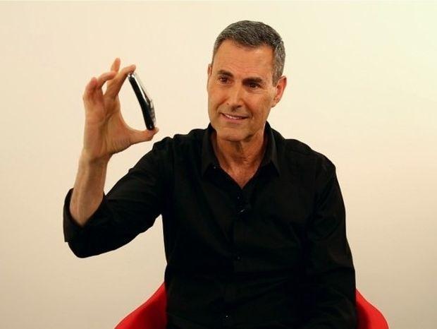 Αστρολογική επικαιρότητα, 5/10: Ο Γιούρι Γκέλερ εξηγεί γιατί λυγίζει το iphone 6!