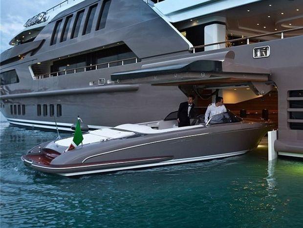 Αυτό το σκάφος είναι συνώνυμο της απόλυτης χλιδής