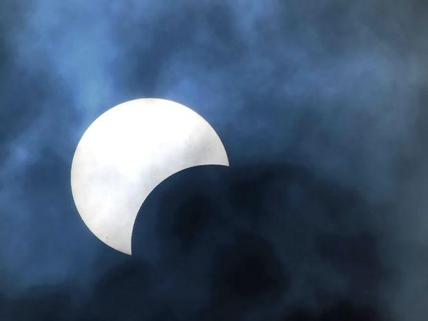 Η μεταμορφωτική και απρόβλεπτη Σεληνιακή Έκλειψη - Πανσέληνος στον Κριό