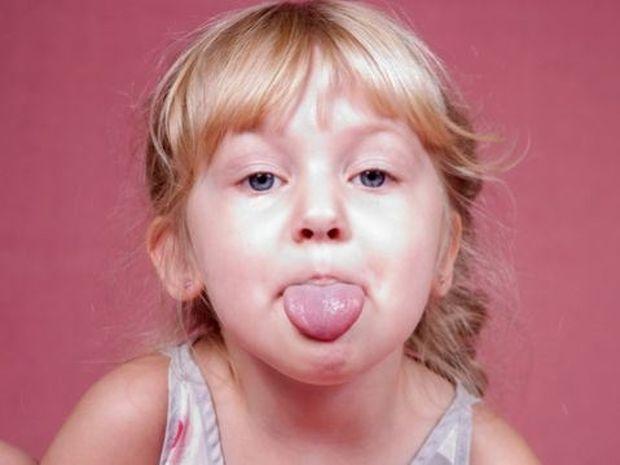 10 τρόποι συμπεριφοράς που πρέπει οπωσδήποτε να μάθετε στο παιδί σας!