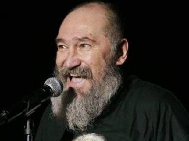 Ζώδια και αστέρια: Ο Τζίμης Πανούσης επιτίθεται στον Πέτρο Κωστόπουλο