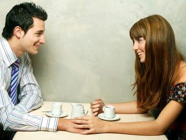 Οδηγός φλερτ: Πως να μιλήσεις σε κάποιον που σου αρέσει!