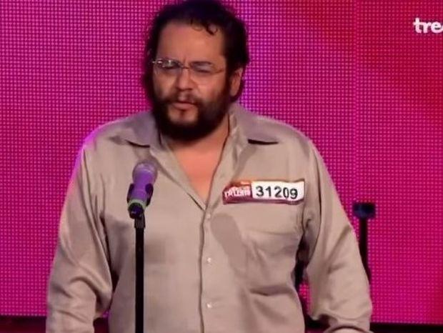 ΣΥΓΚΛΟΝΙΣΤΙΚΟ: Ένας άστεγος άντρας ανεβαίνει για να τραγουδήσει στο «Μεξικό Έχεις Ταλέντο» (video)