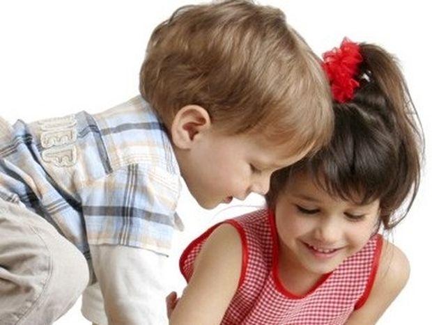 Πιο δύσκολο να μεγαλώνεις αγόρια: Μύθος ή αλήθεια;