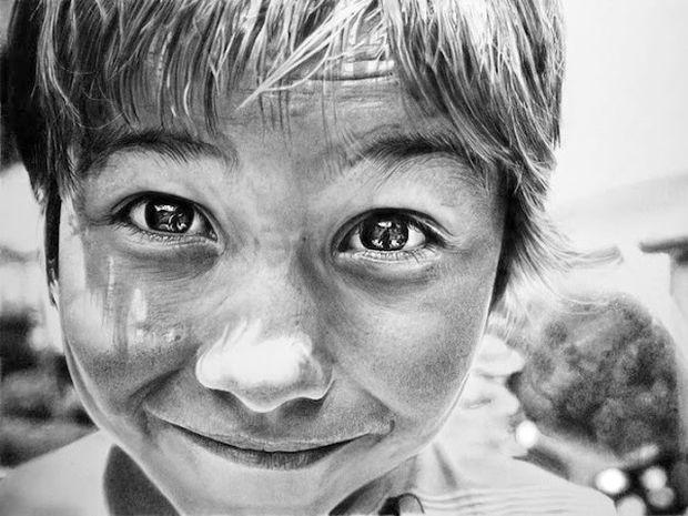 Φωτορεαλιστικά πορτραίτα με μολύβι