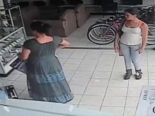 Δεν θα πιστεύετε στα μάτια σας… Πως έκλεψε την τηλεόραση αυτή η γυναίκα ;