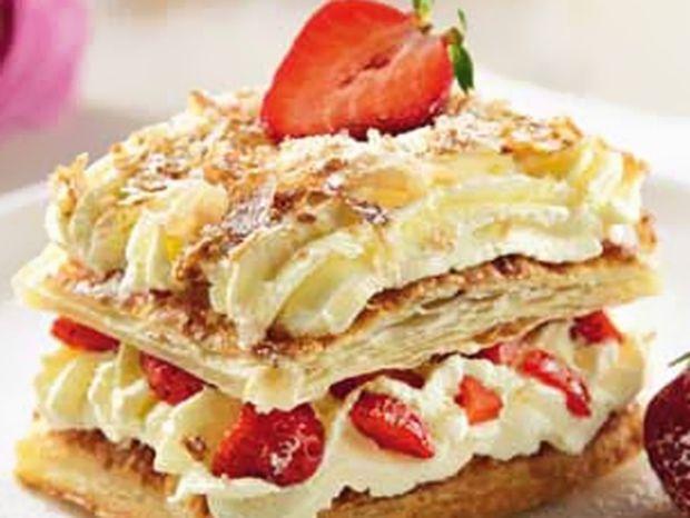 Ένα διαφορετικό μιλφέιγ μπισκότο με φράουλες!