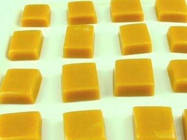 Δημιουργήστε νοστιμότατες καραμέλες στον φούρνο μικροκυμάτων σε λίγα μόλις λεπτά! (video)