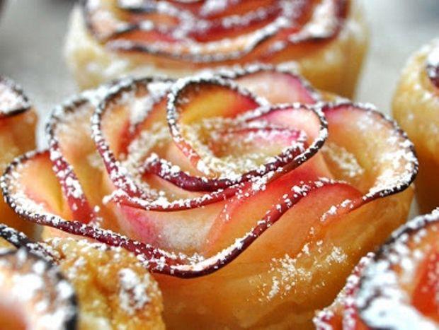 Τριαντάφυλλα από μήλα!! Αυτό το επιδόρπιο θα ξετρελάνει τους καλεσμένους σας!