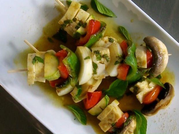 Σουβλάκια με μαστέλο Χίου και λαχανικά
