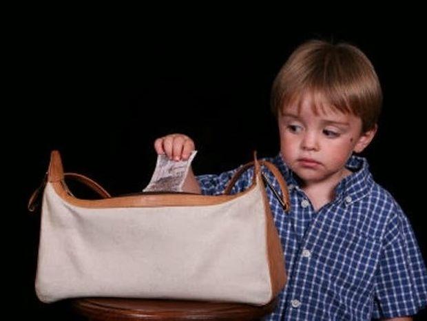 Σημάδια ότι το παιδί σου ίσως έχει κλεπτομανία