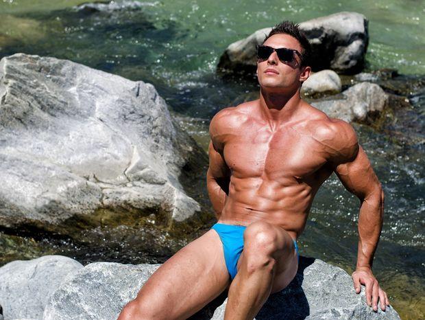 AstroQuiz: Ποιο είναι το πιο προκλητικά sexy ζώδιο στην παραλία;