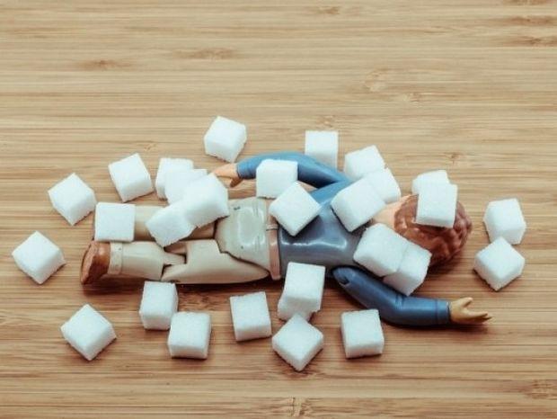 Δείτε σε 3 λεπτά πώς η ζάχαρη καταστρέφει τον οργανισμό μας (vid)
