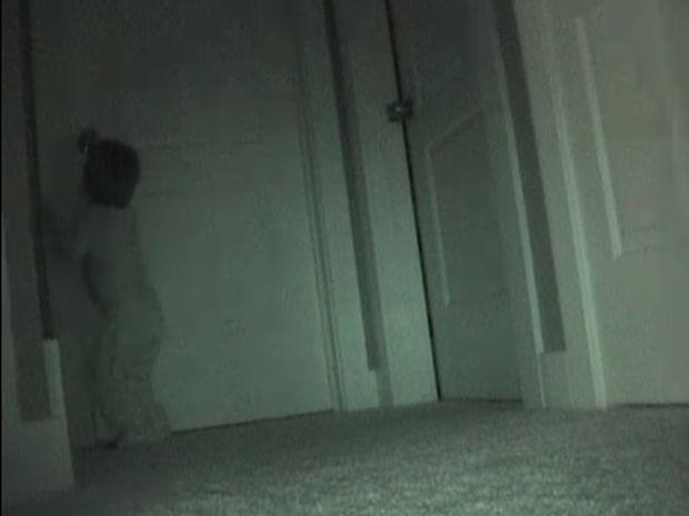Έβαλαν κρυφή κάμερα για να βρουν τον κλέφτη των παιχνιδιών. Δε φαντάζεστε τι είδαν! (video)