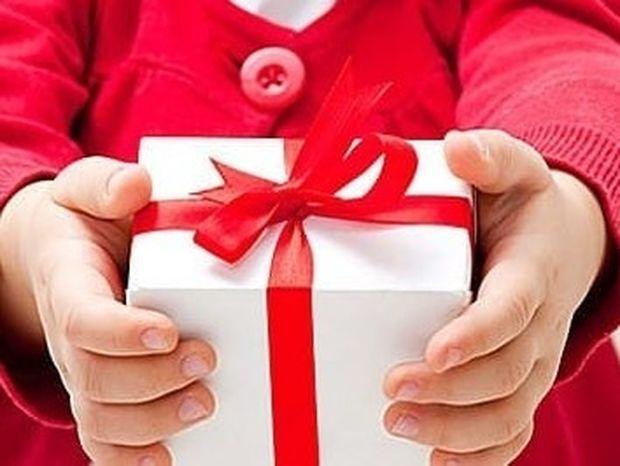 Πώς αντιδρούν τα παιδιά όταν δεν τους αρέσει ένα δώρο
